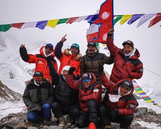 「冬登K2」不是夢!10尼泊爾人攻頂世界第2高峰 創人類新紀錄
