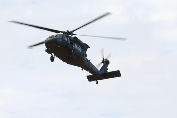 菲律賓軍用直升機山區墜毀!引擎故障奪7命 近半年來第3起