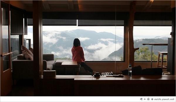 伸手就能碰到雲海!清境玻璃景觀民宿 睡進浪漫Villa泡澡數星星