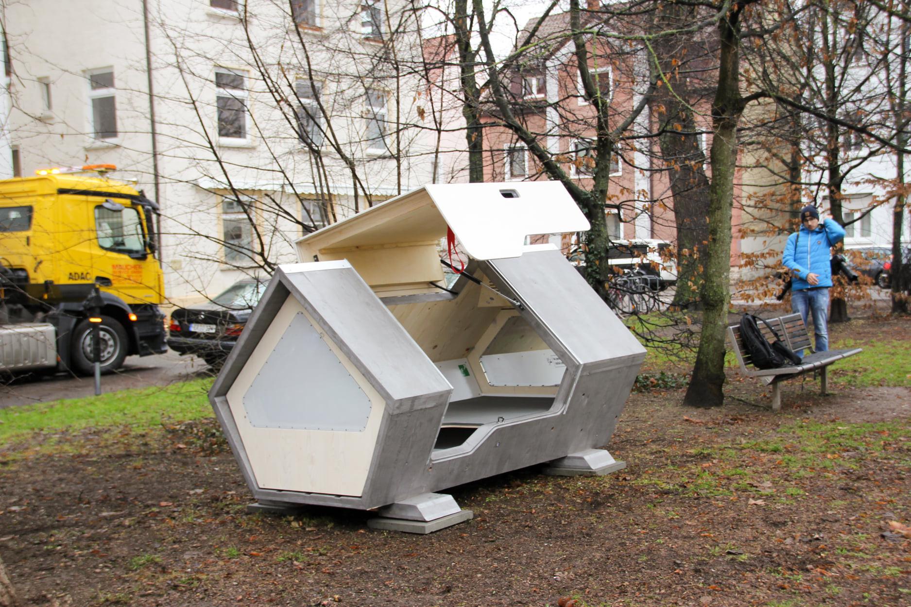 ▲▼ 烏姆市為遊民提供膠囊艙體 。(圖/翻攝自Facebook/ulmernest)
