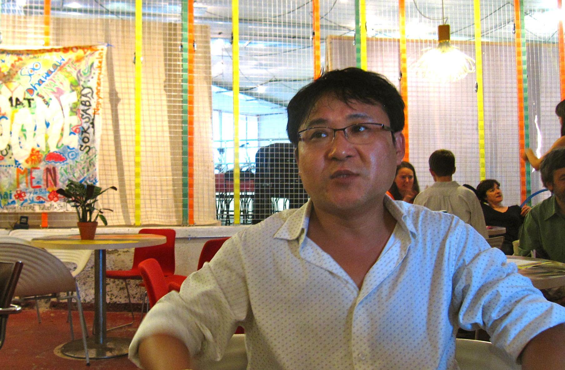 ▲▼來自北韓的張振成文學造詣極高,曾獲金正日讚賞。(圖/達志影像/美聯社)