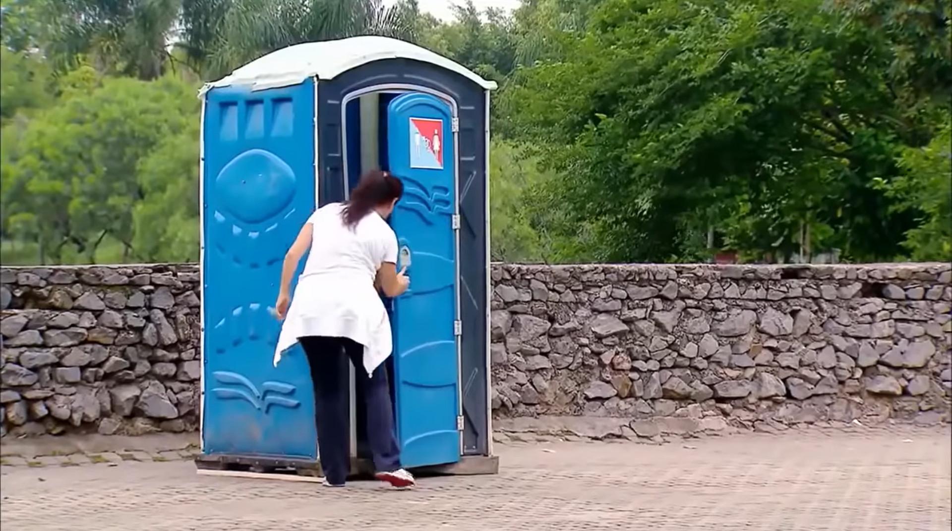 ▲▼ 上完廁所出來驚見星際大戰 。(圖/翻攝自YouTube/KYL0ЯЁП)