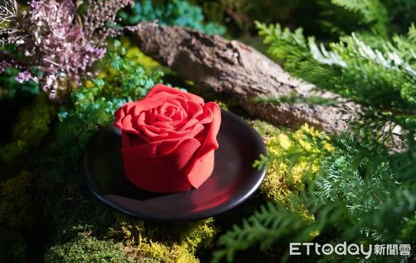 情人節限定!BAC浪漫「紅玫瑰花蛋糕」回歸了 夾罪惡生巧克力餡 | ET