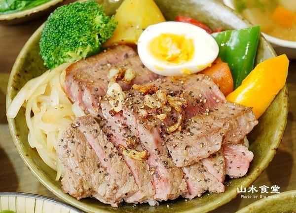 舒肥牛咬開爆肉汁!台北東區高CP值丼飯 免百元爽吃軟嫩蔥油雞飯 | ET