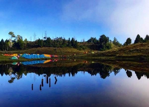 此生必去東台灣4座高山湖泊!看散落山間的珍珠、海拔1800米處鏡湖 |