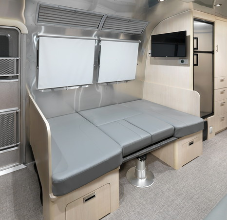 ▲Airstream推出Flying Cloud 30FB Office旅行拖車。(圖/翻攝自Airstream)