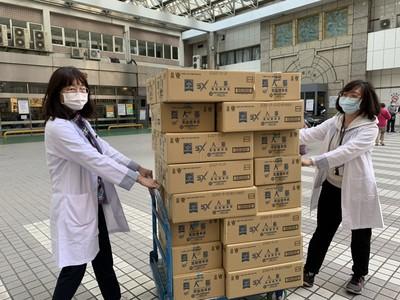 桂格保健飲品撐醫護 做前線抗疫英雄們健康後盾