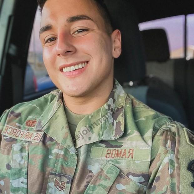 ▲▼ 美國軍官被盜圖。(圖/翻攝自instagram)