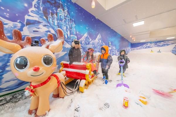 南台灣下雪了! 高雄滑雪學校台灣首座都會0°飄雪樂園開幕 | ETtod