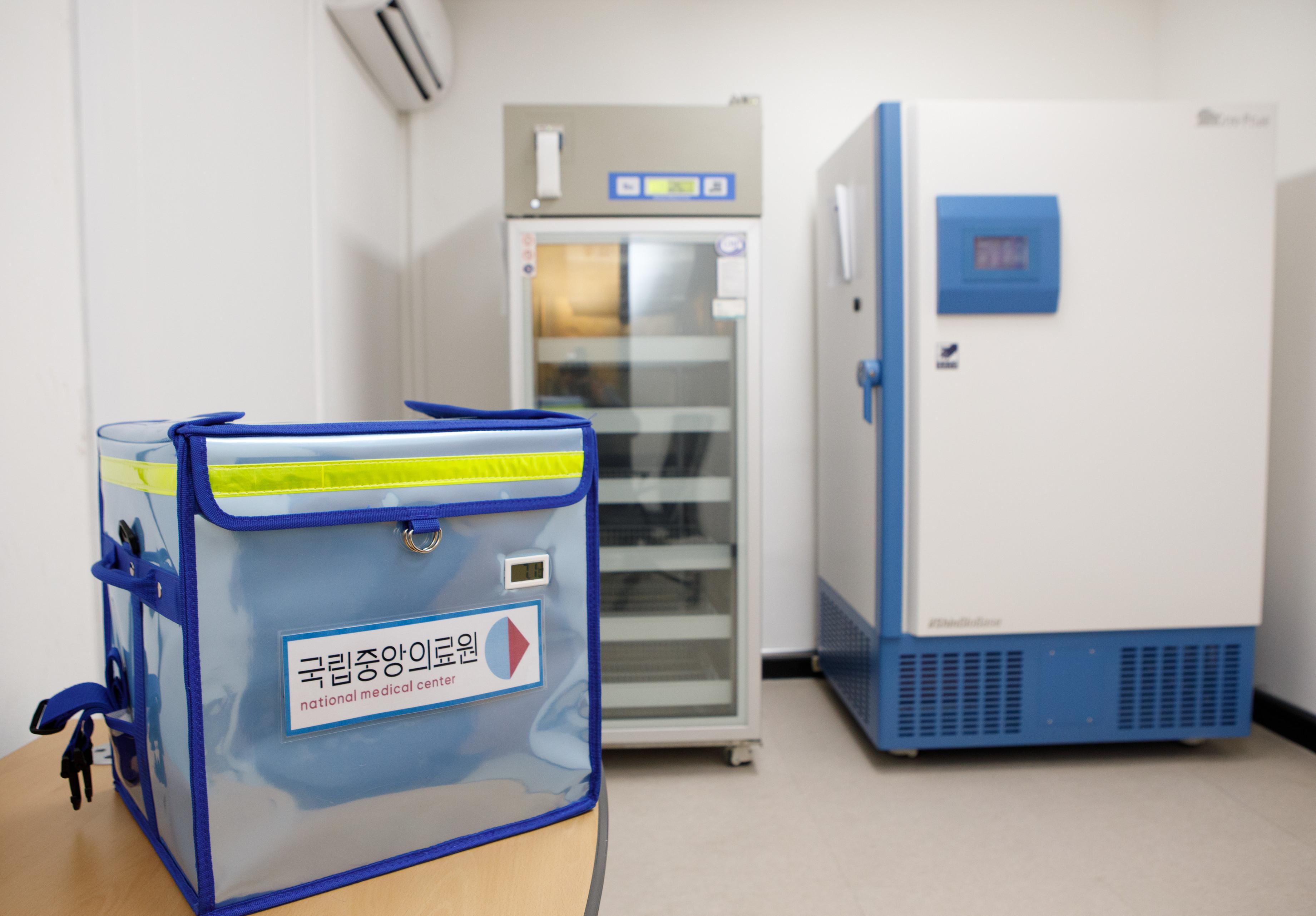 ▲▼首爾國立中央醫療院設置接種中心,在貯藏輝瑞新冠疫苗費盡心思。(圖/達志影像)