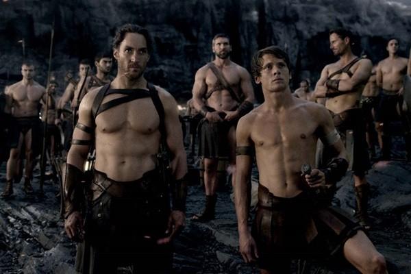 《300壯士:帝國崛起》首周票房奪冠。(圖/華納兄弟提供)