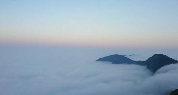 入夜前最美風景!宜蘭太平山出現絕美雲海 宛如置身棉花糖仙境   ETto