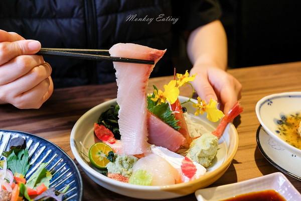 豪華生魚片鮮甜有勁!台中高CP值日料 土雞湯飄陣陣迷人蒜香