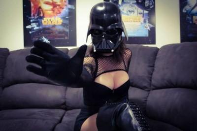 黑武士穿這種盔甲,嗚~她的原力好強
