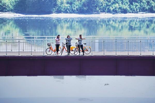 4公尺「雙向自行車道跨橋」即起開通!新莊河濱自行車道拓寬了 | ETto