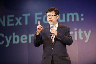 鴻海獲選全球百大創新機構「Google同行」 董座劉揚偉將出席領獎