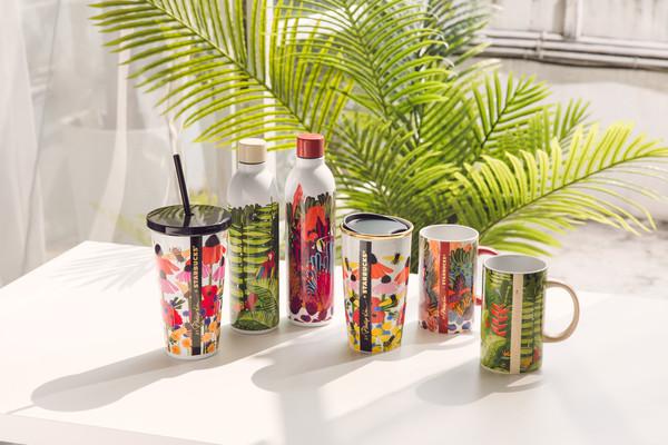 星巴克聯名時尚品牌3.1Phillip Lim 把桌面變成熱帶雨林 |