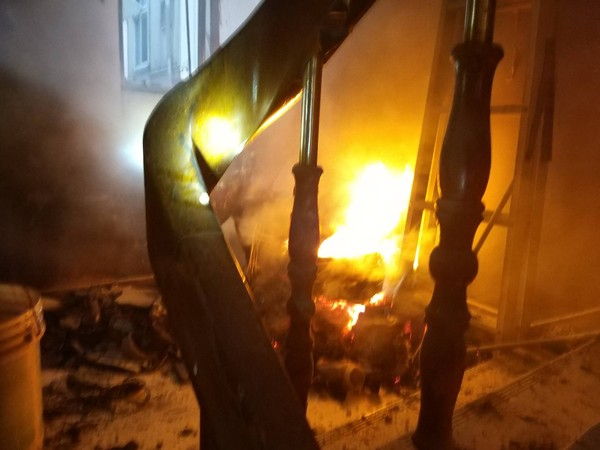 「我被反鎖」台南男困5樓公寓火窟! 消防破門真相曝光