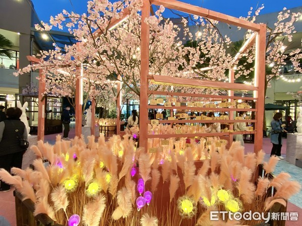 男友必收!2大春日花景免費拍「櫻花白兔神社、紫藤花瀑」超浪漫