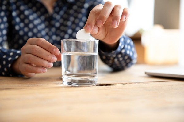 發泡錠預防感冒、補充維生素? 營養師拆解「服用禁忌」 | ETtoday