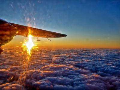 中肯,搭飛機必定要坐窗邊的27個原因