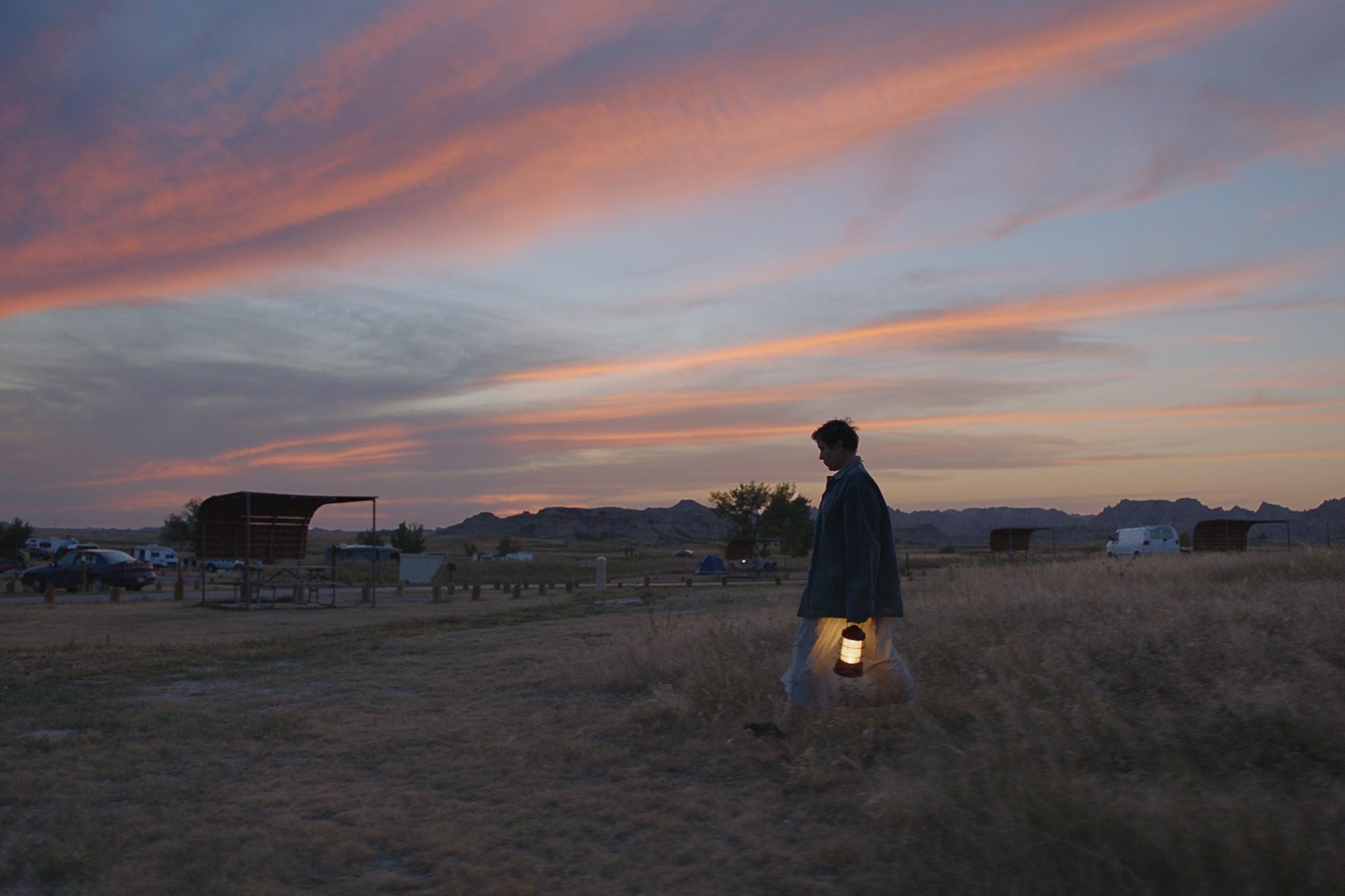 游牧人生,第93屆奧斯卡,趙婷,法蘭西絲麥朵曼,游牧族,銀髮退休族,老年生活,最佳影片,最佳導演,最佳女主角