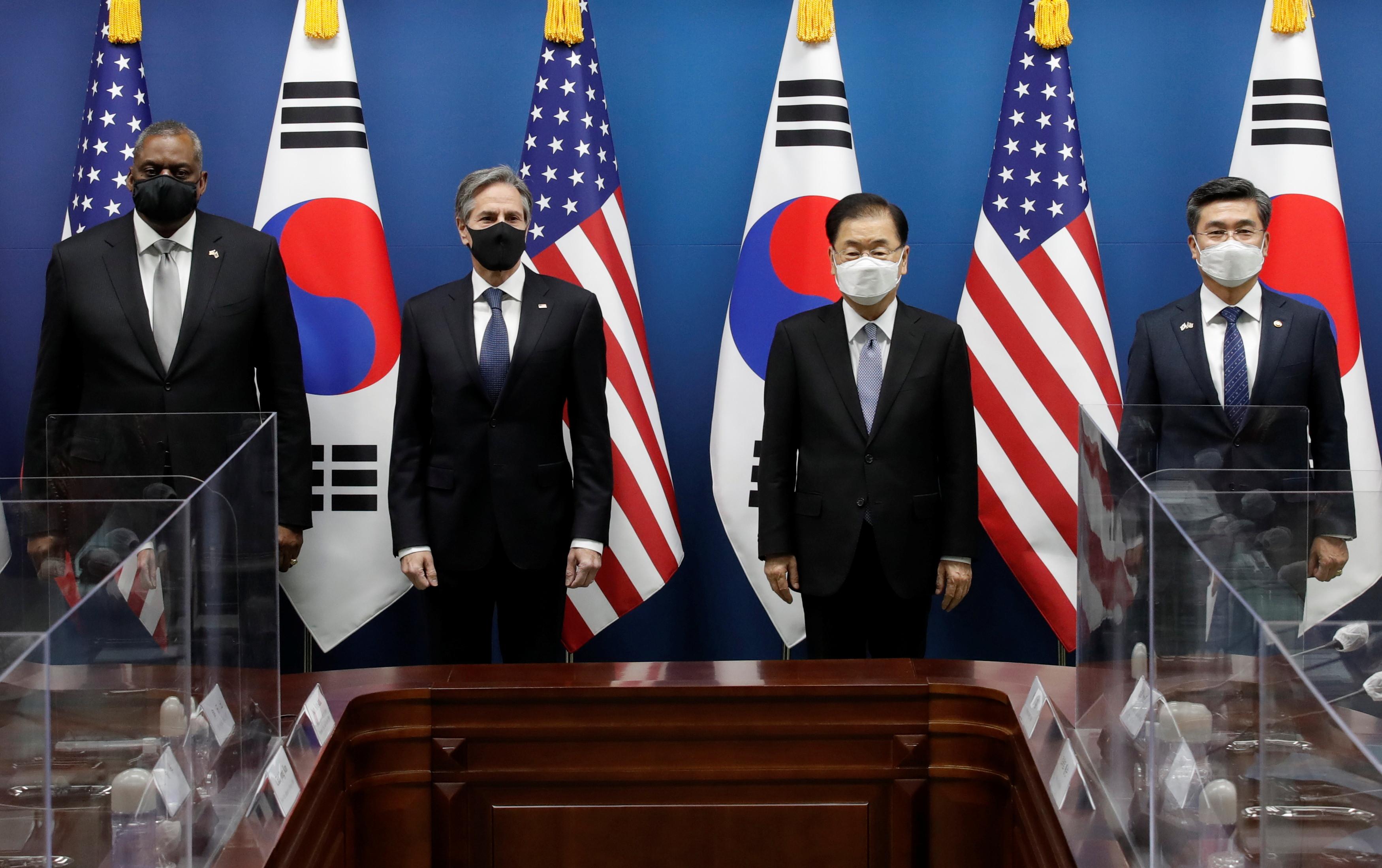 ▲▼美韓兩國18日上午在南韓外交部進行2+2會談,由左至右為奧斯丁、布林肯、鄭義溶、徐旭。(圖/路透社)