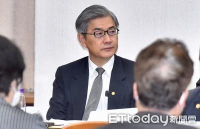 台紙股東質疑公司遭賤賣 金管會:兩個月內查清楚!
