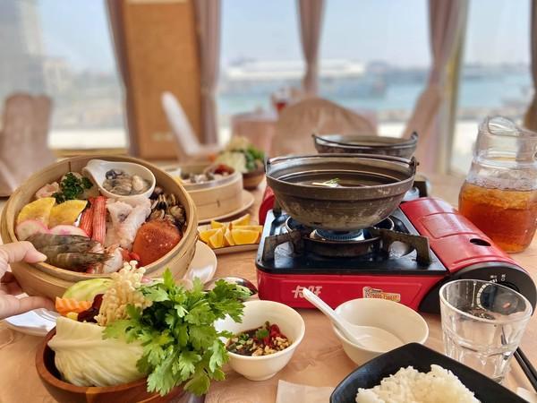 澎湖超狂海景火鍋店!爽嗑螃蟹只要299元 還有爆汁鮮蚵、蛤蜊 | ETt