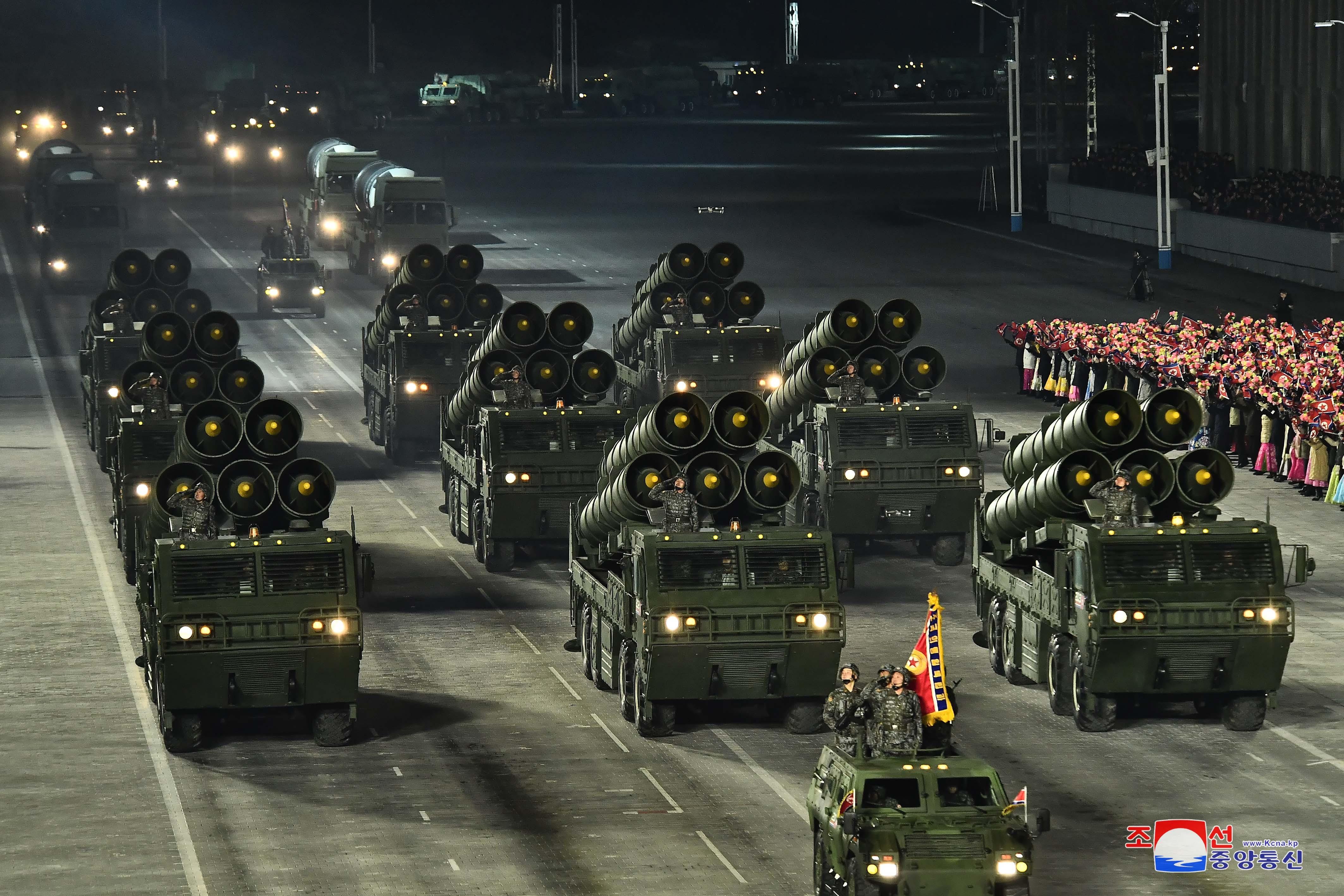 ▲▼北韓在黃海昌麟島上追加佈署放射砲。(圖/達志影像)