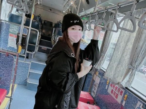 毛帽女「搭公車」遊台南…踩點7美食名店 一看竟是大咖歌手! | ETto