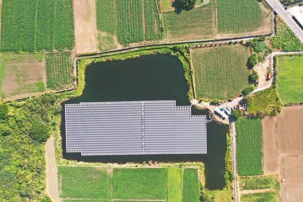 ▲▼綠電,太陽光電,佳里,水面型,法商,漁電共生。(圖/業者提供)