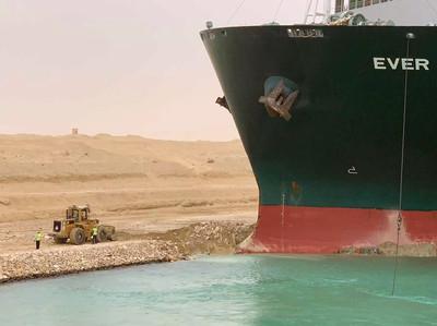 長榮租船卡關蘇伊士運河「董座出面了!」 天價賠償「船東的責任」