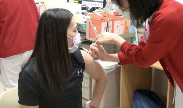 能比別人更有防護力!郭婞淳打疫苗小緊張 文姿云感覺肌肉痠痛