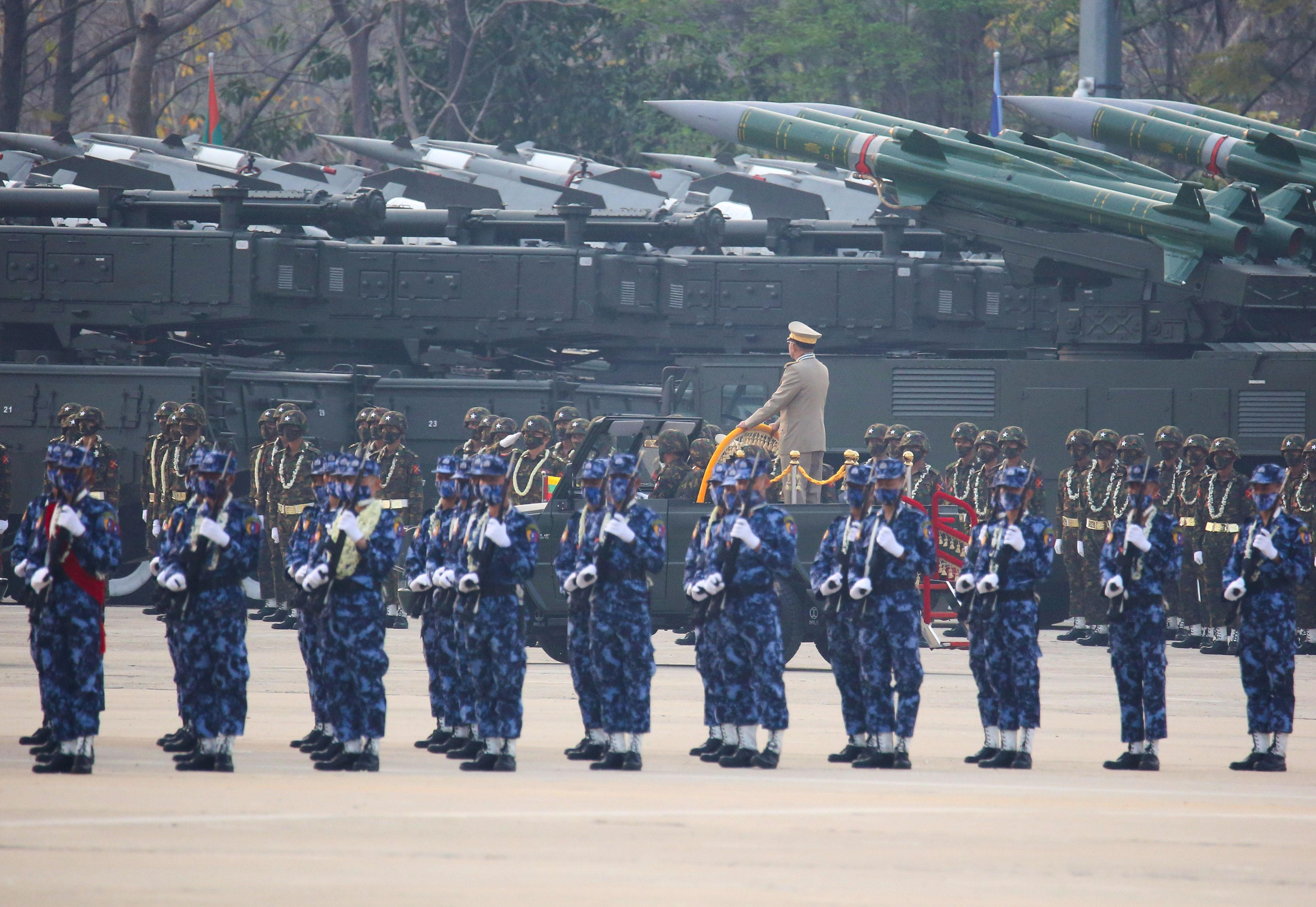 緬甸軍政府,武裝組織,翁山蘇姬,軍人節,溫敏,敏昂萊,克倫邦,緬甸,軍警,橡膠子彈