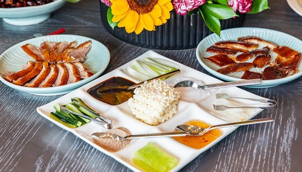 九宮格搭出81種吃法!板橋粵式「肥鵝」皮脆肉嫩 必嚐鮮蝦腐皮捲 | ET