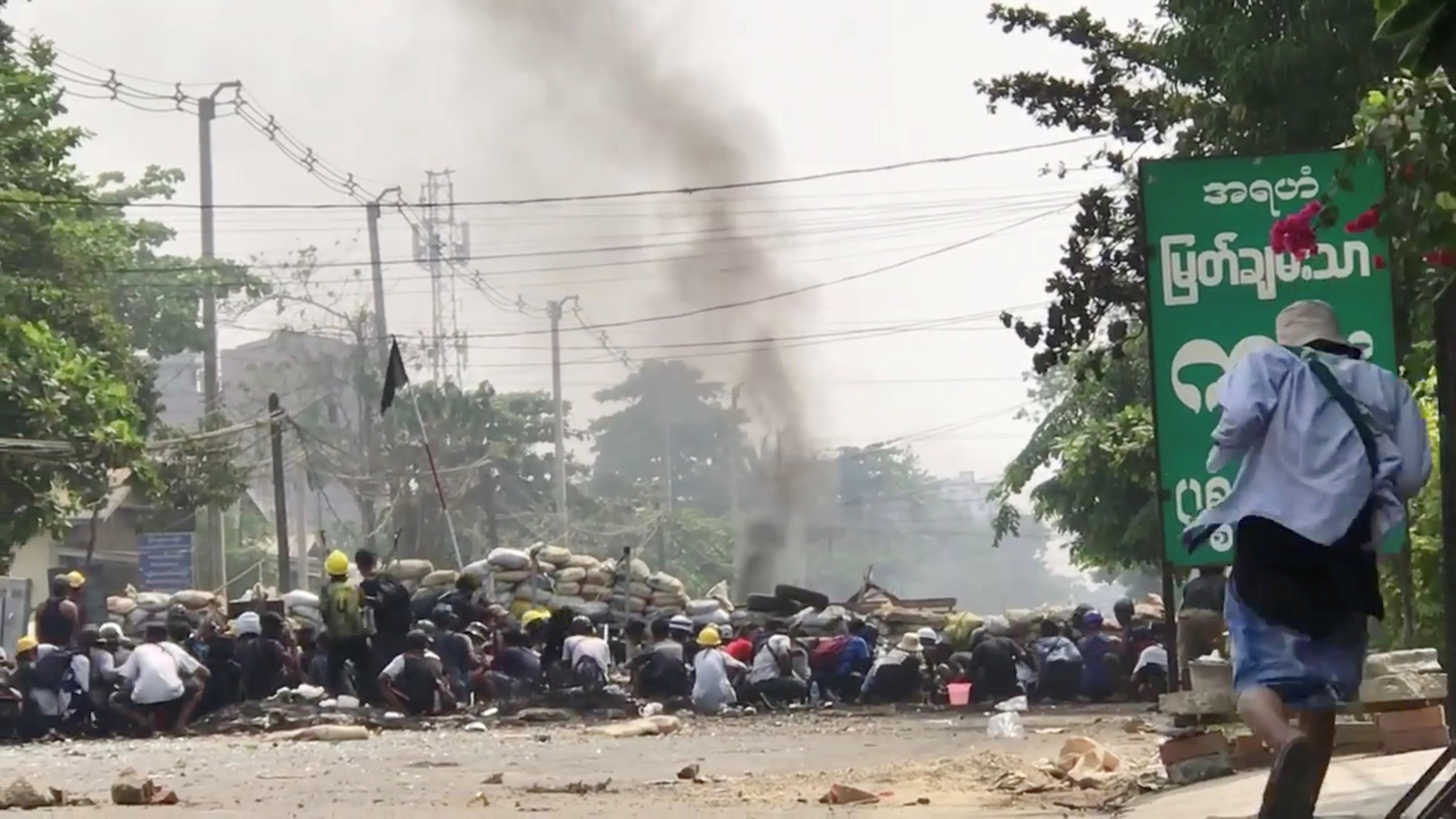 ▲▼緬甸至今已有超過520人死於軍方血腥鎮壓,圖為仰光民眾抗議之情景。(圖/路透社)