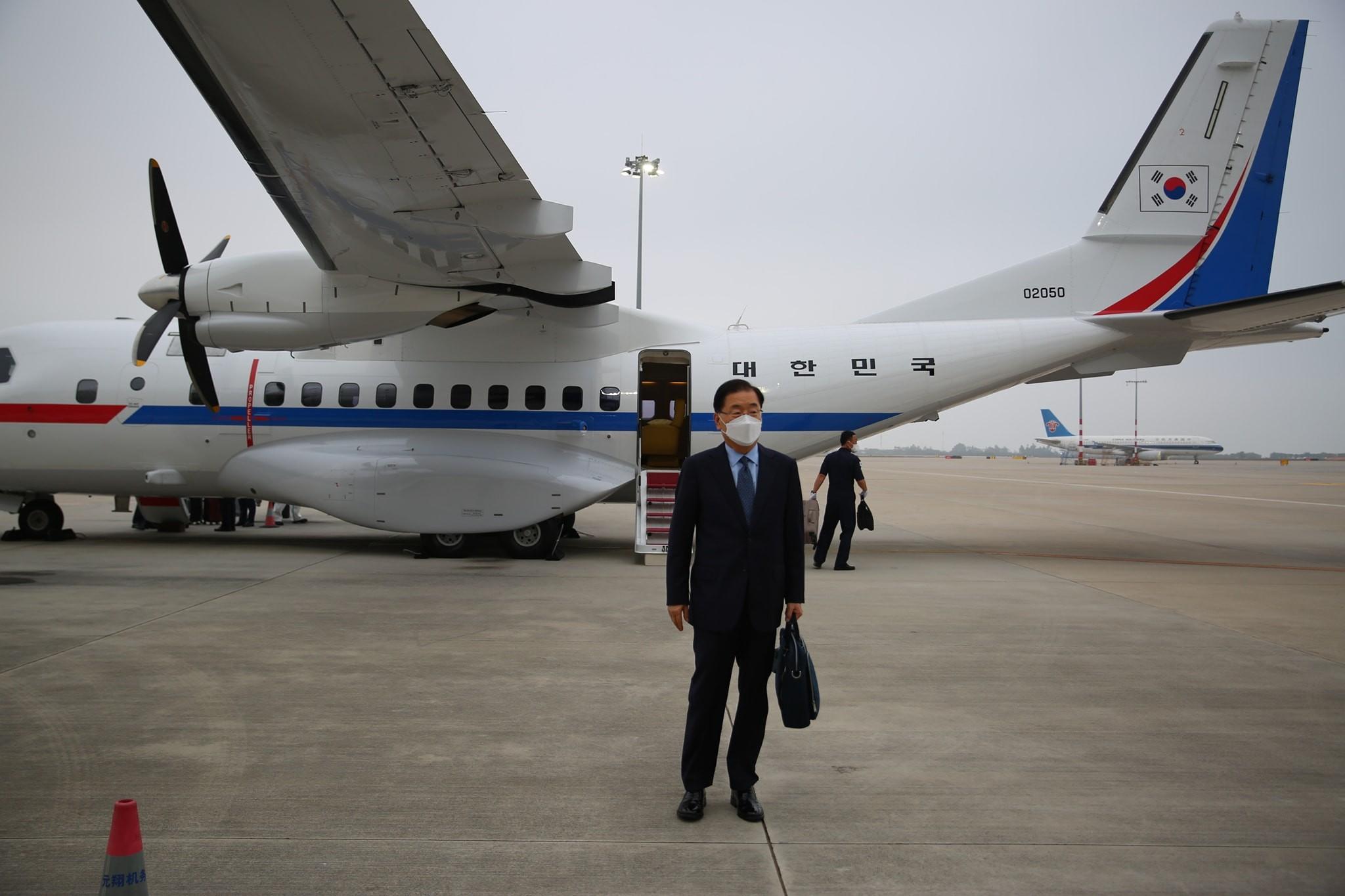 ▲▼南韓外長鄭義溶搭乘空軍專機前往中國廈門。(圖/翻攝自大韓民國外交部臉書)