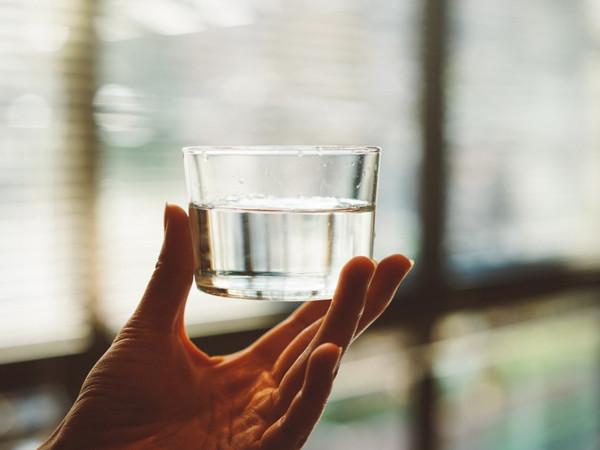 「喝多少茶就補多少水」6個喝水觀念快學,讓你變瘦又變美! | ET Fa