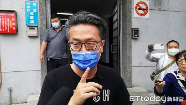 高調賓士男身分曝!捧50萬幫李義祥交保 驚爆共同承攬多項工程 | ETt
