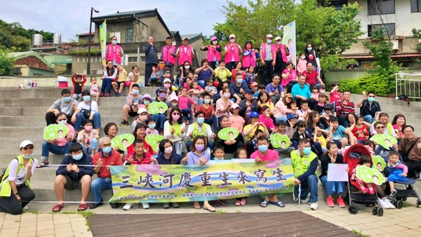 新北三峽河整治媲美日本京都鴨川 吳琪銘號召百人小畫家齊寫生