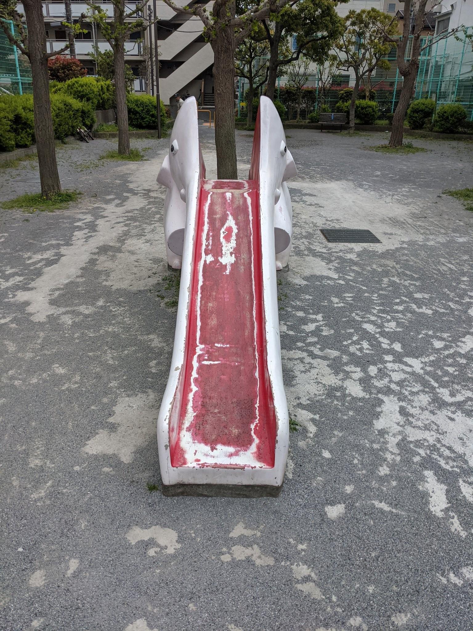 ▲▼日本獵奇遊樂設施(圖/取自TWITTER/@9kobject