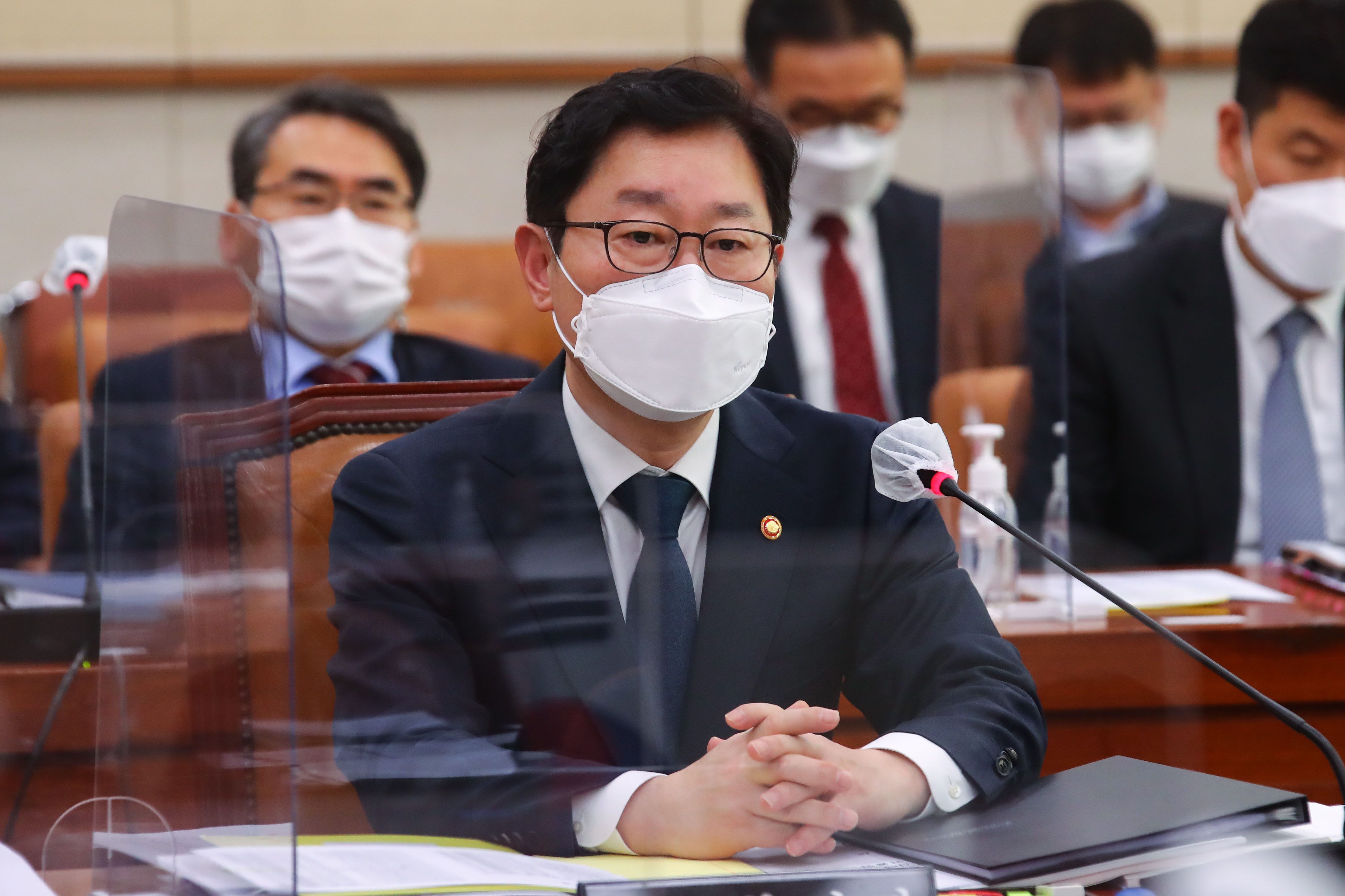 ▲▼南韓法務部一名職員確診,部長朴範界緊急接受新冠篩檢。(圖/達志影像)