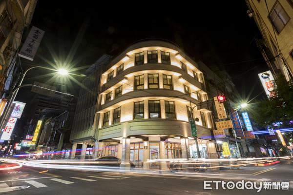 愈夜愈美麗!新竹公賣局古蹟點燈後好浪漫 網:好像在歐洲 | ETtoda