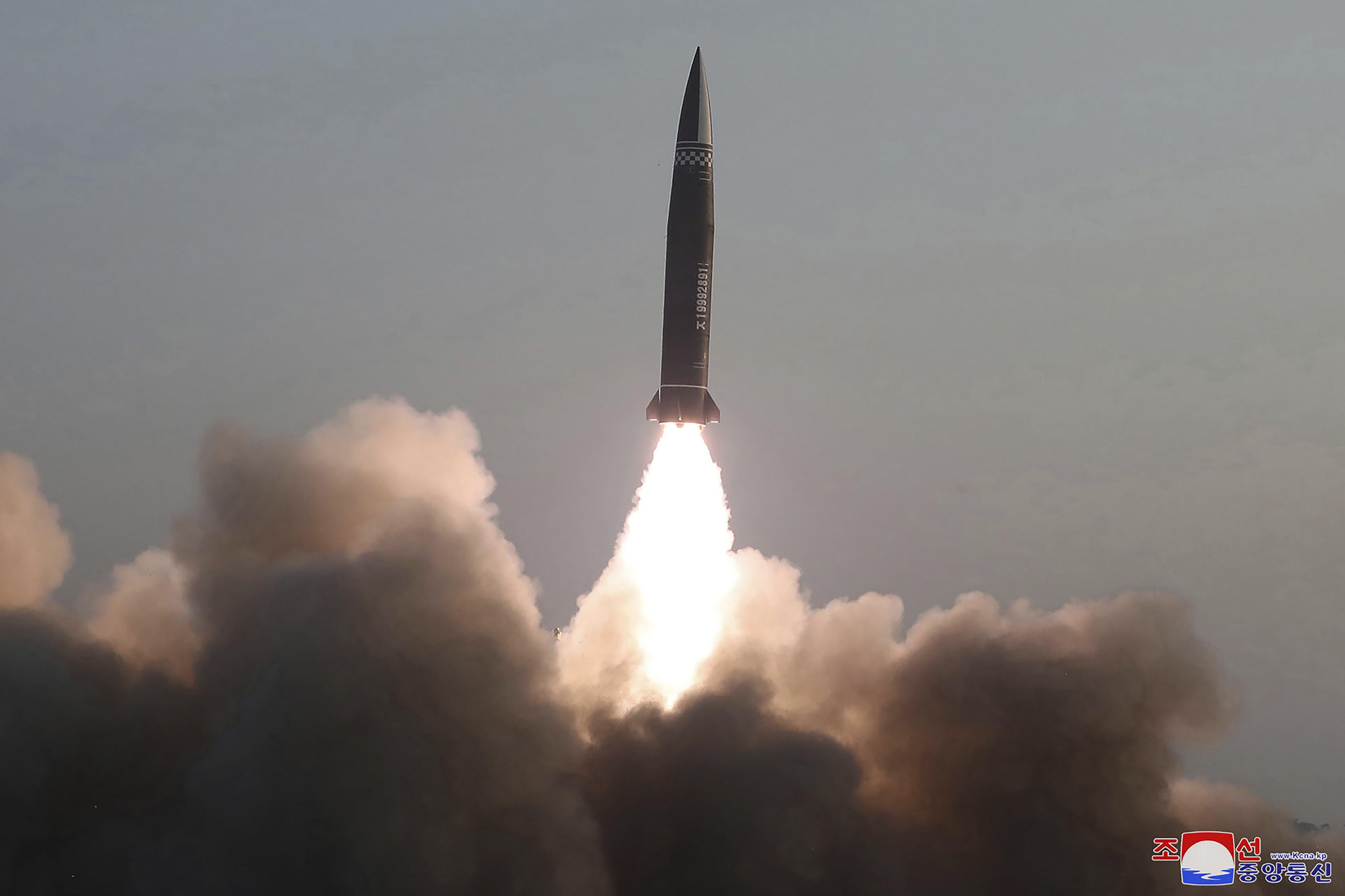 ▲▼北韓仍持續進行核武相關活動,圖為3月25日北韓試射經改良的彈道飛彈。(圖/達志影像/美聯社)
