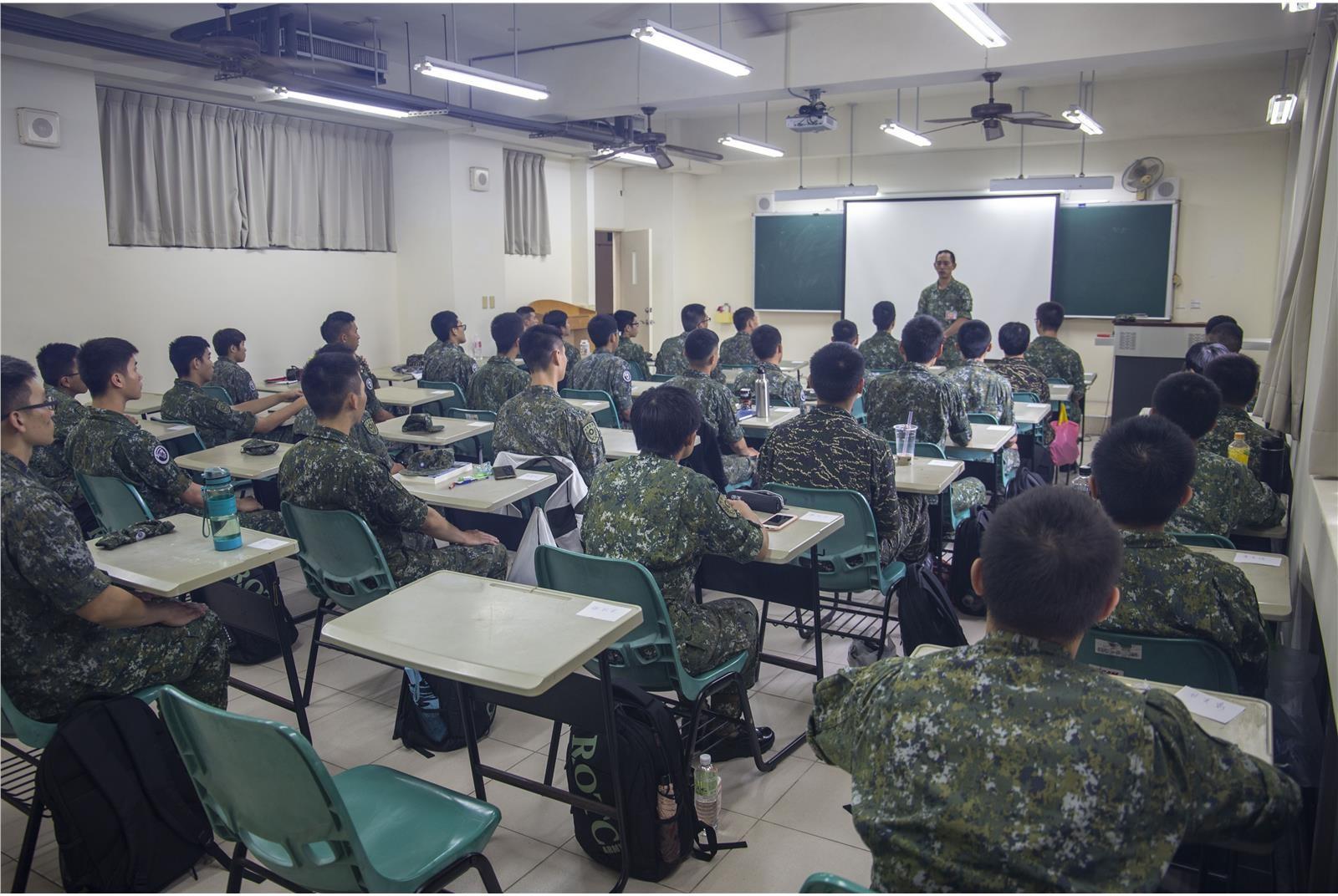 國防學士班,軍人,國軍,特效藥,預備軍官訓練團,菁英,國防生
