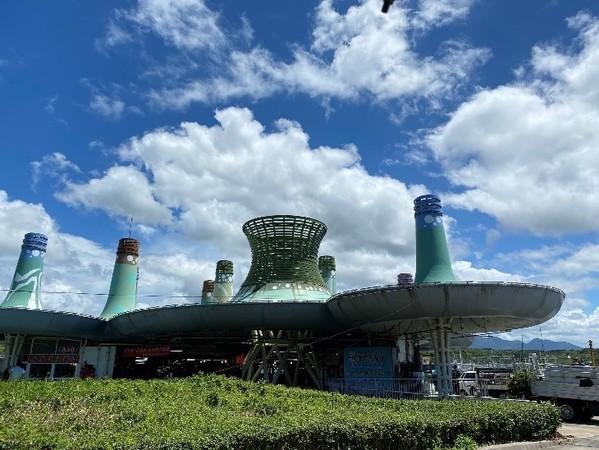 北海岸「富基漁港」屋頂像外星人基地!還能漫步海堤賞落日 | ETtoda