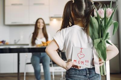 母親節還在送花跟家電?媽媽真正想要的東西說出來讓人超意外