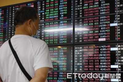 台股反彈逾200點!電子、傳產、金融股齊揚 台積電漲幅逾1%