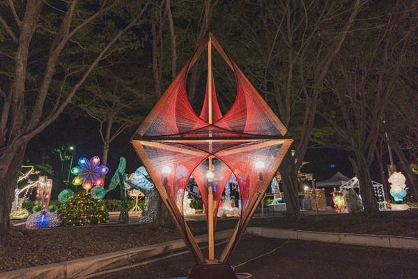 「新竹光臨藝術節」300組花燈先暖身!今有市集80攤位好拍又好買 | E